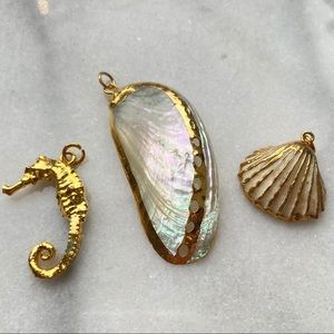 """""""Under the Sea"""" Gold Plated Seahorse and 2 Shells"""